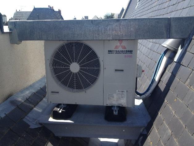 Installation d'une pompe à chaleur en toiture